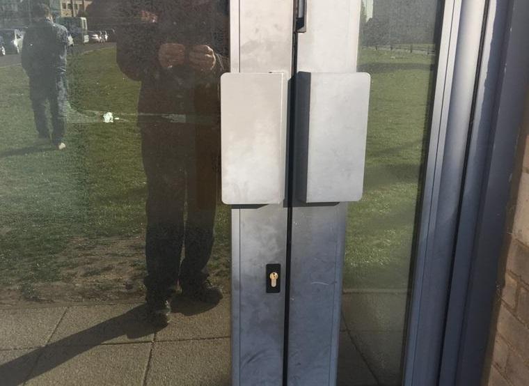 deadlock for closed aluminium door in cambridge